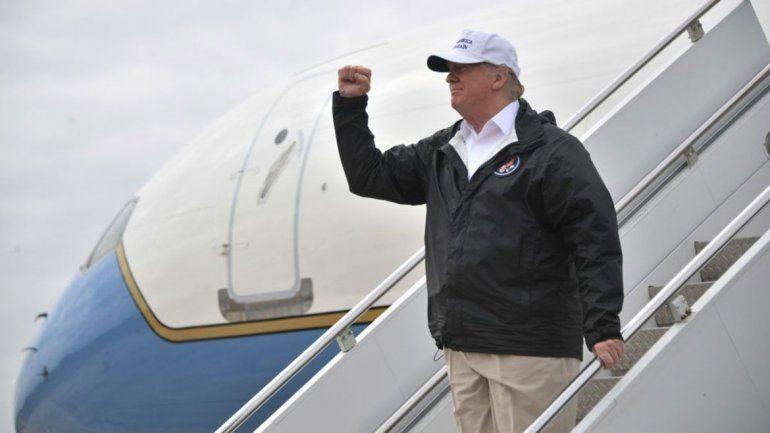 Trump, en la frontera, aseguró que México va a pagar el muro