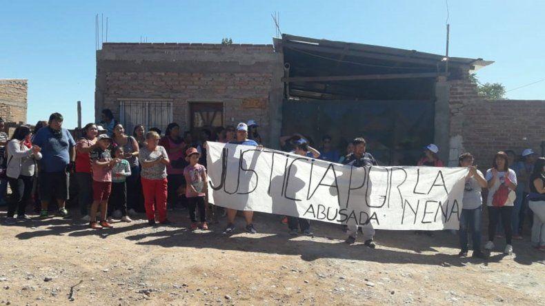 Marcharon por una nena de 11 años abusada en Centenario