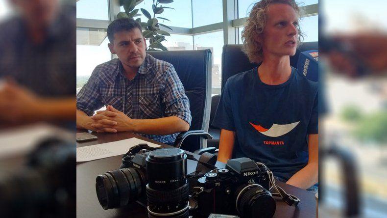 El fotógrafo recuperó sus equipos cuatro días después de la detención en Vaca Muerta