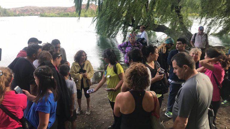 Con éxito se retomaron las caminatas a la confluencia de los ríos Limay y Neuquén