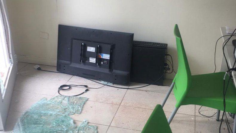 Intentaron robar un televisor y un CPU de la Casa de Plottier