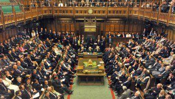 brexit: parlamento britanico rechazo acuerdo negociado por may