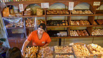 las panaderias no suben los precios para vender algo