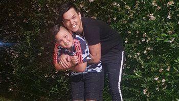 brian lanzelotta confirmo su paternidad y presento a su hijo