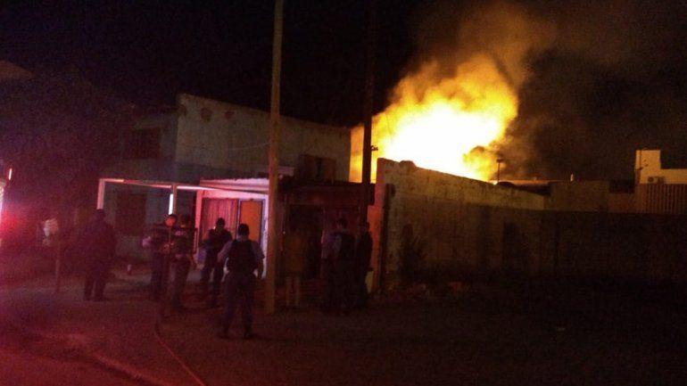 Tres personas murieron en un terrible incendio en una casa en Cutral Co