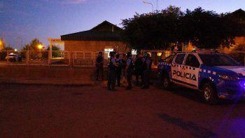 quedo detenido el policia que mato a un ladron tras ser asaltado afuera de su casa