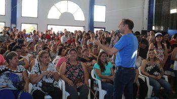 Gutiérrez, ayer, en una reunión con 4 mil vecinos en la Seccional Primera.