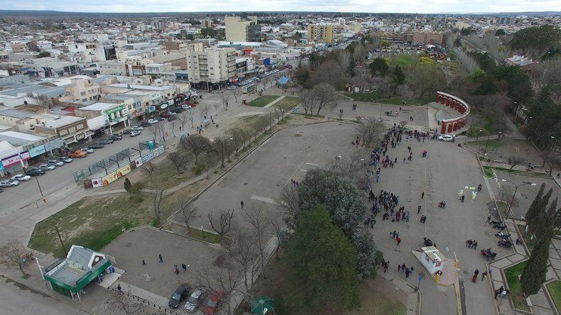 Las delincuentes interceptaron a la víctima en el Parque Central