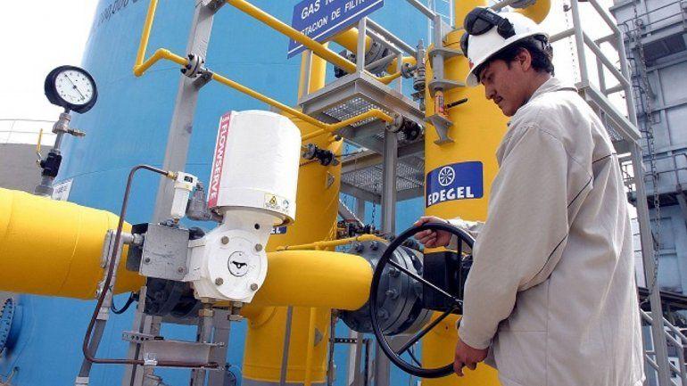 Autorizan a YPF a exportar gas de Vaca Muerta a Chile
