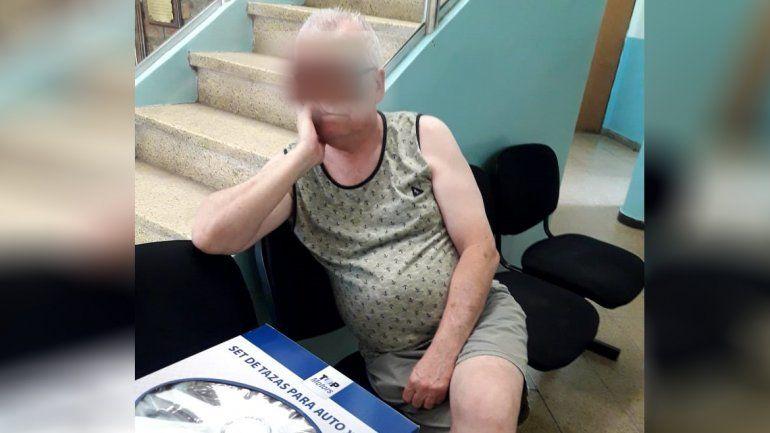 Detienen a un depravado en pleno súper: le sacó fotos por debajo del vestido a una mujer
