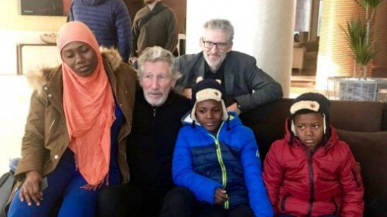 Roger Waters reúne a una madre con sus hijos secuestrados