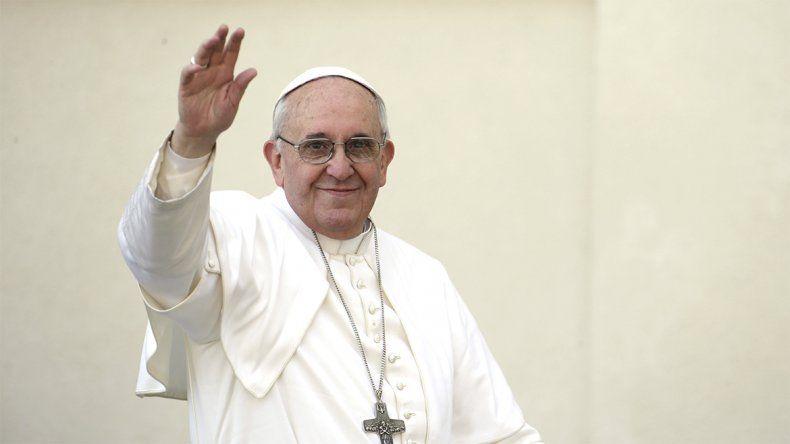 Francisco pidió a los jóvenes seguir a María, la influencer de Dios