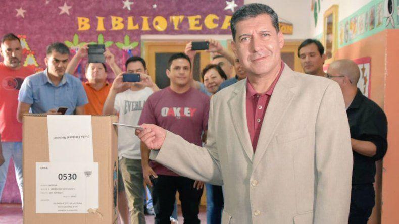 El Gobernador de La Rioja se juega la re-re en una consulta popular