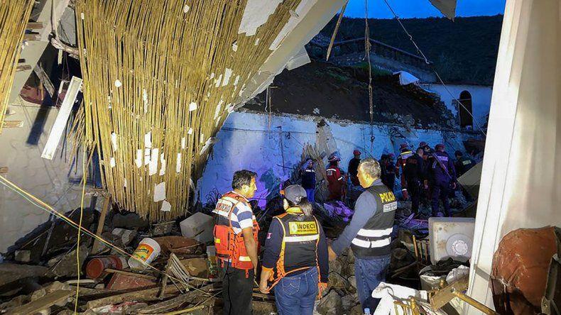 Avalancha de piedras provocó 15 muertos en pleno casamiento en Perú