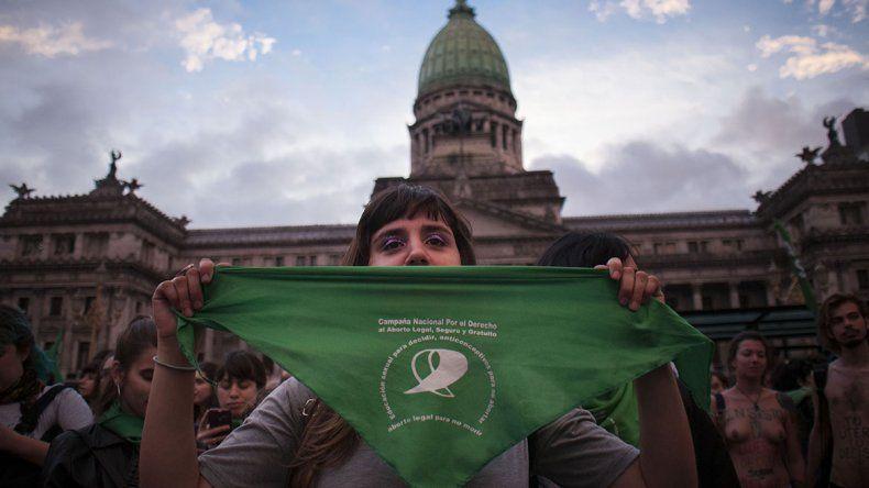 Presentan por octava vez el proyecto de aborto legal