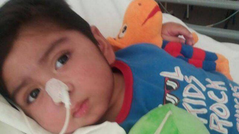 Piden ayuda para la familia de Carlitos, un bebé internado en el Hospital de Plottier