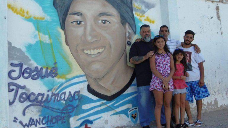 El emotivo mural de Alianza para su crack fallecido en el trágico incendio