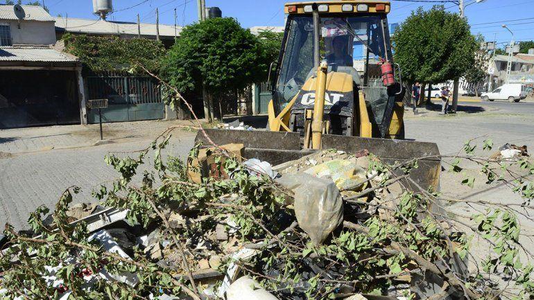 Retiran más de 100 toneladas diarias de residuos de San Lorenzo