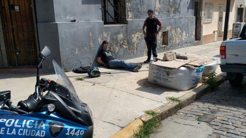 Expulsarán a motochorro colombiano que detuvieron por robar un celular