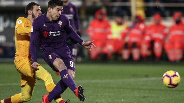 Gio Simeone aportó un doblete en la goleada de Fiorentina ante Roma