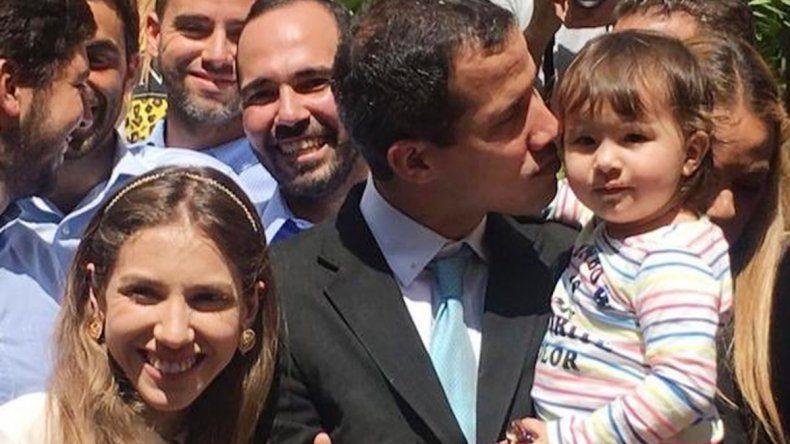 Venezuela: Guaidó denunció que fuerzas especiales amenazaron a su familia