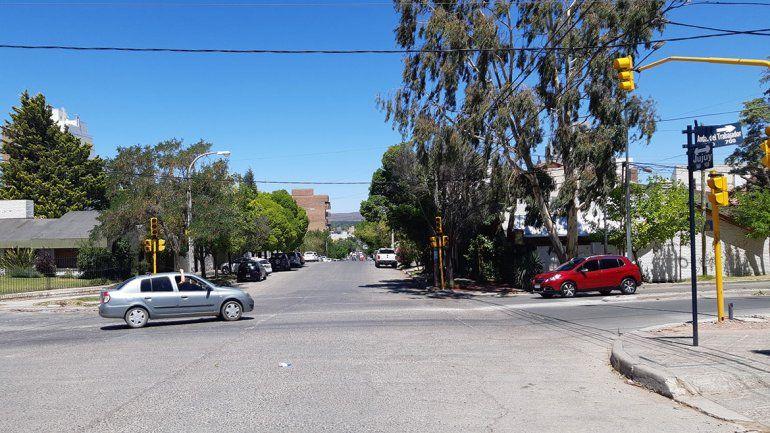 Instalan semáforo en una peligrosa esquina del Alto