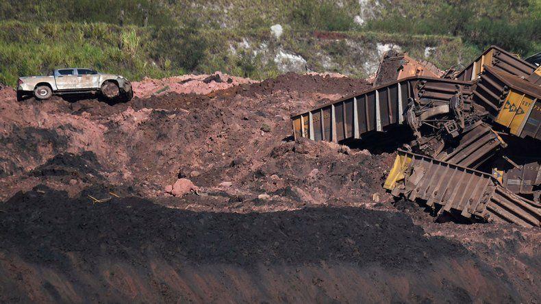 Estremecedor: así fue el momento en que cedió el dique en el pueblo brasileño