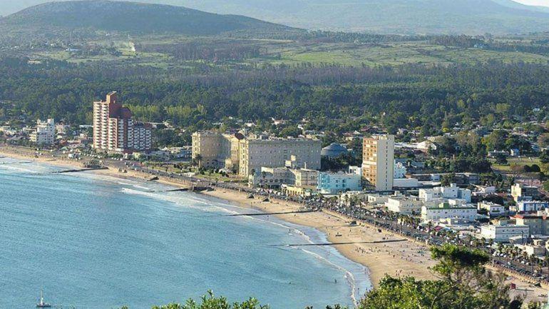 Por una bacteria cerró una playa en Uruguay