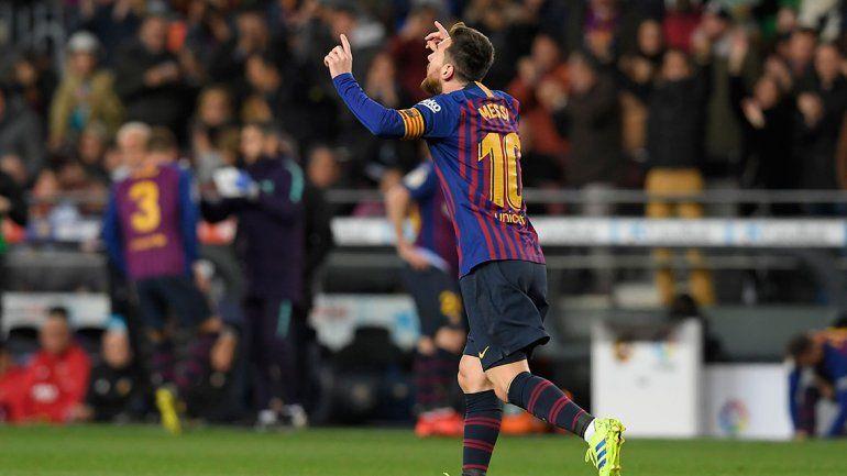 Con un doblete de Messi, Barcelona rescató un empate ante Valencia