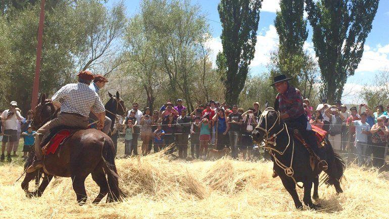 El Cholar prepara la Fiesta del Ñaco con bailes y jineteadas