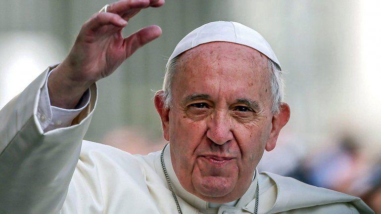 Histórico arribo del Papa a los Emiratos Árabes