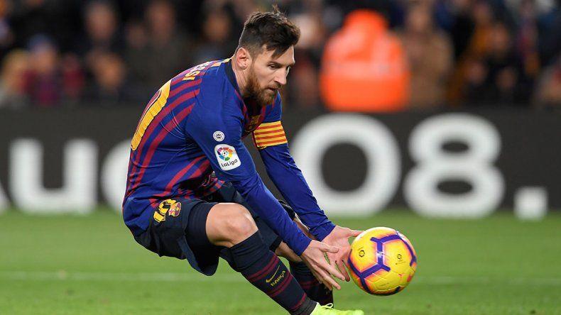 Messi no entrenó por una molestia y el misterio invade a Barcelona a dos días del clásico