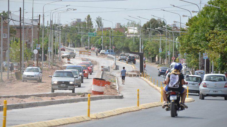 Comerciantes afectados por el Metrobús reclaman dársenas especiales