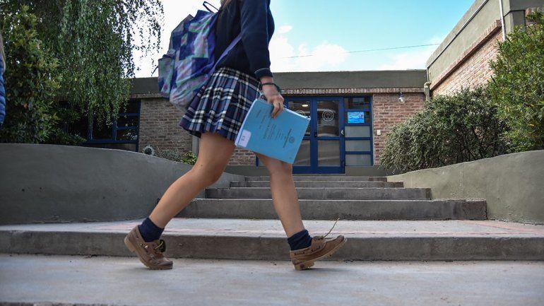 Sale hasta 10 mil pesos ir  a una secundaria privada