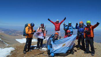 montanistas aficionados encararon una aventura de 10 cumbres