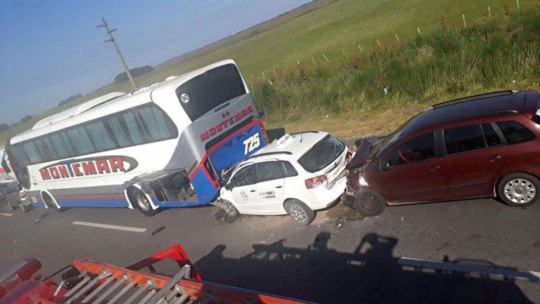 Nueve vehículos chocaron en una ruta: 12 heridos