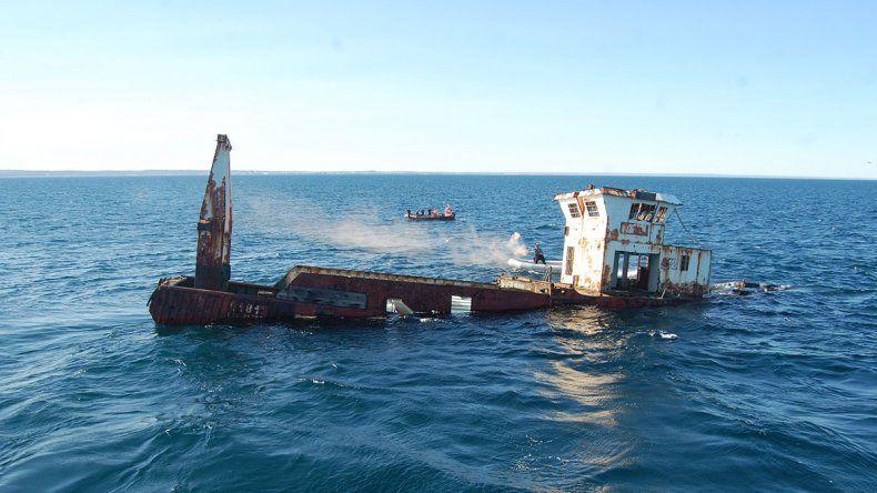 Las Grutas: el pesquero Mariana ya está en el fondo del mar
