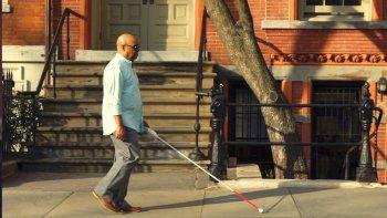 wewalk, el baston blanco para ciegos con tecnologia