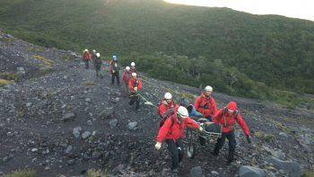 turista se lesiono cuando descendia del lanin y fue rescatada