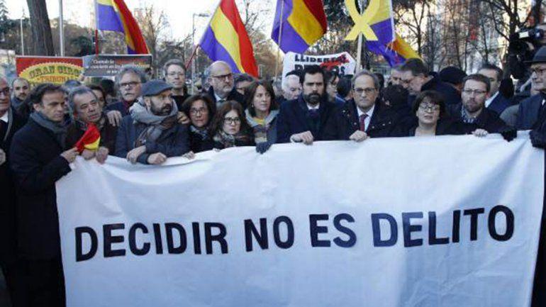España: empezó el juicio contra 12 políticos catalanes