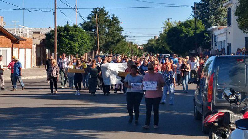 Vecinos de Cutral Co marcharon por justicia para la abuela asesinada