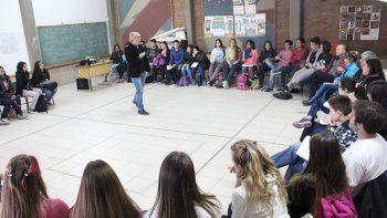 la defensoria dara cursos gratuitos de mediacion escolar