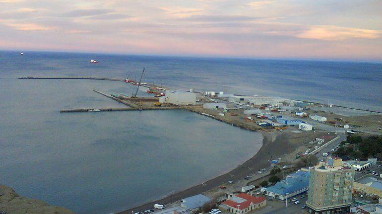 Dos buques internacionales chocaron en aguas argentinas: uno se hundió