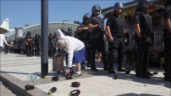 la policia impidio feriazo y secuestro la mercaderia