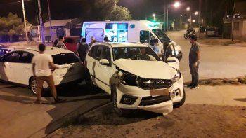 tres heridos en violento choque en san lorenzo norte