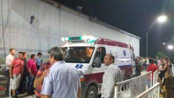 caen dos tribunas en un carnaval: hubo 34 heridos
