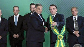 bolsonaro echo a un ministro por corrupcion