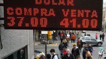 la suba de tasas apenas pudo contener escalada del dolar