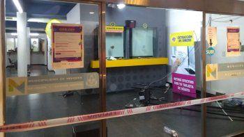 vandalos causaron destrozos en la delegacion municipal progreso