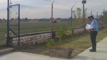 delincuentes se llevaron pelotas y camisetas del club san lorenzo